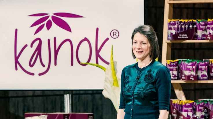 """Sonja Zuber aus Hamburg präsentiert """"Kajnok""""-Produkte, die aus der Konjak-Wurzel gewonnen werden. (Foto)"""