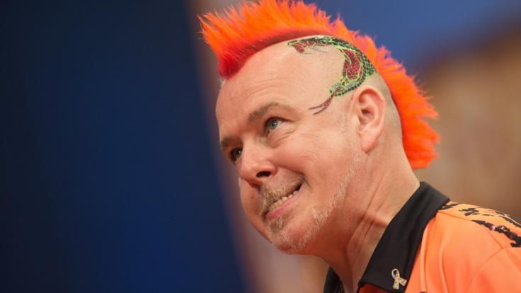 """Peter Wright alias """"Snakebite"""" ist unbestritten der Paradiesvogel im Dartssport. (Foto)"""