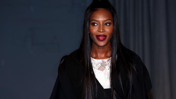 Naomi Campbell begeisterte auf der Fashion Week Paris.