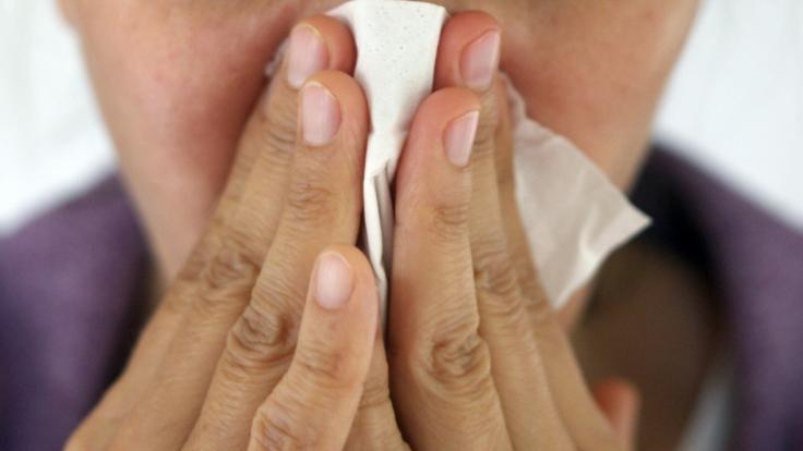 Was ein Mann aus den USA für lästigen Schnupfen hielt, entpuppte sich als wahre Horrordiagnose: Dem Patienten floss Hirnflüssigkeit aus der Nase! (Symbolfoto)