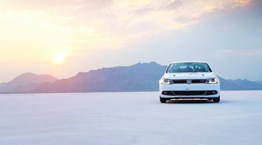 Die besten Bilder zu VW Jetta Rekordfahrt: Hybrider Raser (Foto)