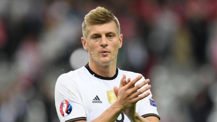 Toni Kroos ist nicht nur ein erfolgreicher Fußballer, sondern hat auch im Privaten sehr viel Glück.