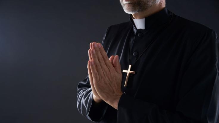 Der brasilianische Bischof Tomé Ferreira da Silva zeigte sich im Video beim Masturbieren. (Symbolfoto) (Foto)