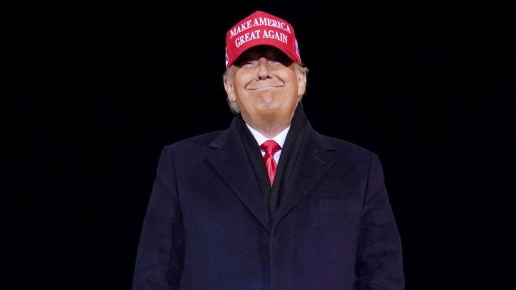Der frühere US-Präsident Donald Trump fühlt sich in seinem Anwesen Mar-a-Lago in Palm Beach, Florida, offenbar pudelwohl. (Foto)
