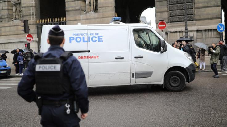 Bei einer Messerattacke in der Pariser Polizeipräfektur sind fünf Menschen getötet worden. (Foto)