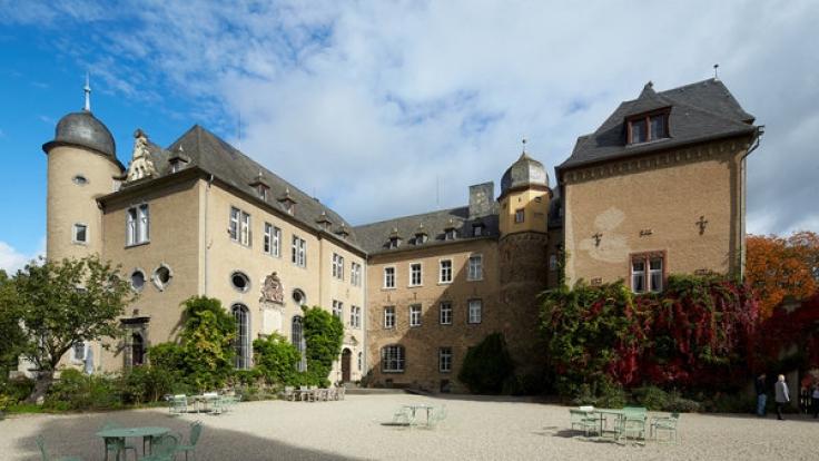 """Auf Schloss """"Burg Namedy"""" in Andernach (Rheinland-Pfalz) wird der im Alter von 39 Jahren verstorbene Carlos Prinz von Hohenzollern seine letzte Ruhe finden. (Foto)"""