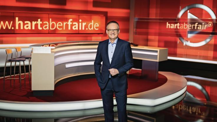 """Frank Plasberg freut sich auf eine neue Ausgabe von """"hart aber fair"""". (Foto)"""