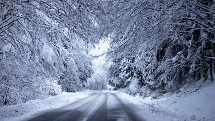 Am Wochenende erwartet Deutschland ein winterliches Schmuddelwetter.