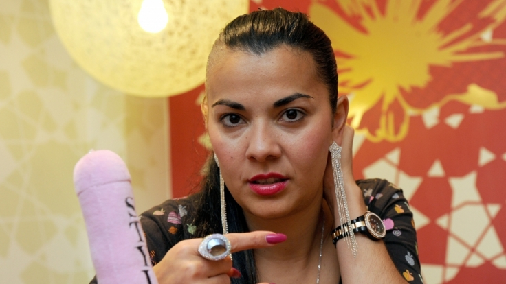 Rapperin Reyhan Sahin alias Lady Bitch Ray während eines Interviews mit der Deutschen Presseagentur. (Foto)