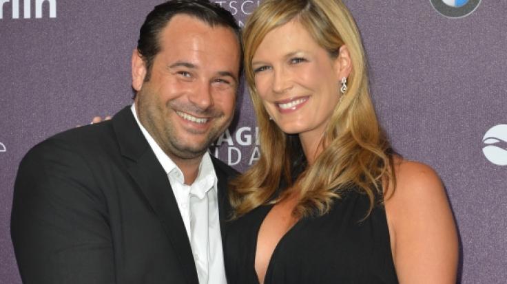 TV-Moderatorin Verena Wriedt und ihr Mann Thomas Schubert bei einer Preisverleihung im Frühjahr 2013 - jetzt ist der Unternehmer mit nur 47 Jahren gestorben. (Foto)