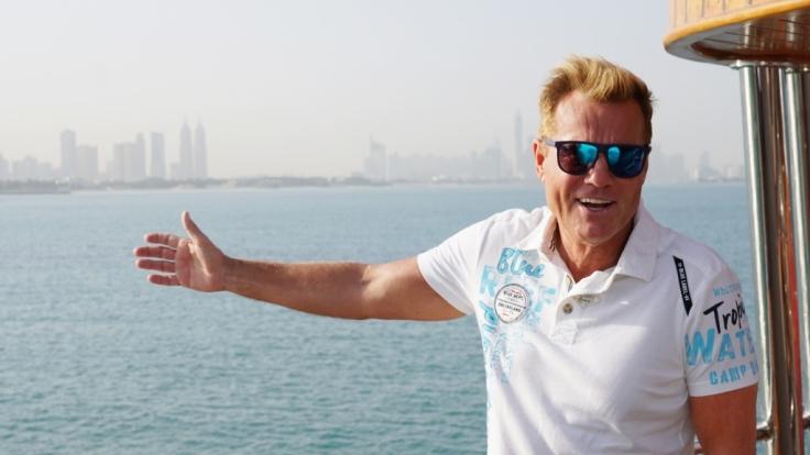 Dieter Bohlen stellt die Kandidaten beim Recall in Dubai vor große Herausforderungen.
