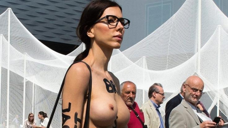 Milo Moiré hat kein Problem mit Nacktheit.