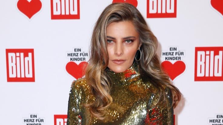 Sophia Thomalla: Sexy Ostergrüße! In diesem Latex-Outfit