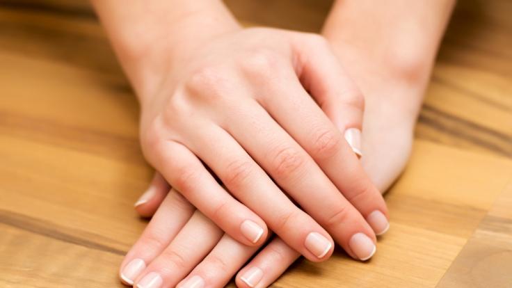 laengsrillen auf fingernaegeln