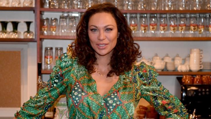 Die Nachrichten des Tages auf news.de: Lilly Becker mit XXL-Dekolleté in de Corona-Quarantäne