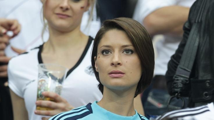 Kathrin Gilch hat sich erstmals zur Trennung von Manuel Neuer geäußert. (Foto)