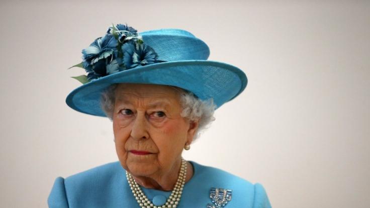 Queen Elizabeth II. wäre um Haaresbreite einem Mord-Anschlag zum Opfer gefallen. (Foto)