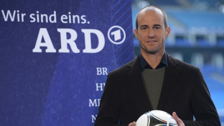 Mehmet Scholl dürfte als Sport-Experte bei der ARD gut verdienen. (Foto)