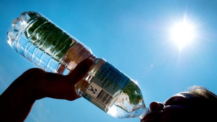 Wie viel Wasser sollte man trinken?