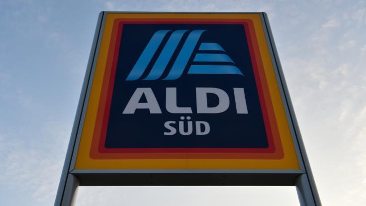 Der Discounter Aldi Süd hat einen Produktrückruf wegen Salmonellen in Eiweißriegeln gestartet (Symbolbild).