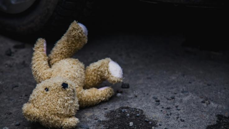 In Nordrhein-Westfalen steht ein Mann unter Verdacht, sein Kind für Geld von der Versicherung misshandelt zu haben. (Foto)
